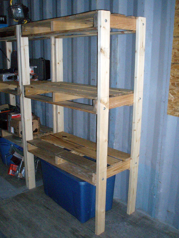 finished, I've started a chicken coop made of wood pallets. We plan
